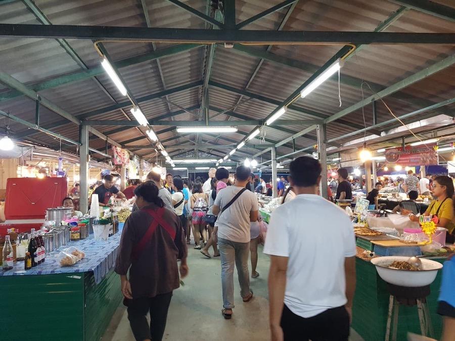 Food stalls in Pae Mai Night Market, Hua Hin, Thailand